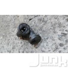Крепежный палец радиатора для Audi A4 (B5) 1994-2000 oe 8D0121200 разборка бу