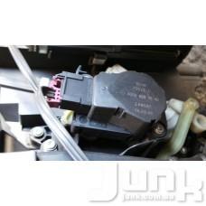 Сервопривод заслонки печки (моторчик заслонки) для Mercedes Benz W203 C-Klasse 2000-2007 oe A2038201642 разборка бу