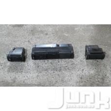 Дефлектор салона правый oe 8D1820902 разборка бу
