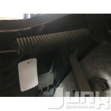 Пружина крышки багажника oe 51247045884 разборка бу