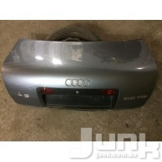 Крышка багажника oe 4B5827023T разборка бу