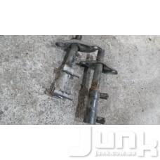 Kронштейн заднего бампера правый oe 8D0807332B разборка бу