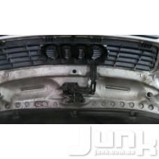 Крюк захватный капота для Audi A6 (C5) 1997-2004 oe  разборка бу