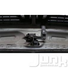Крюк захватный капот для Audi A6 (C5) 1997-2004 oe 4B0823480F разборка бу