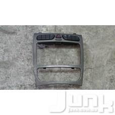 Накладка передней панели для Mercedes Benz W203 C-Klasse 2000-2007 oe A2036807439 разборка бу