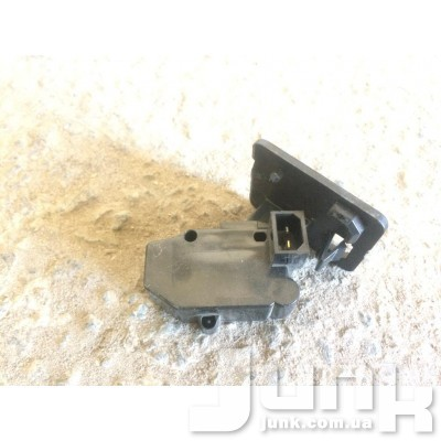 Выключатель в багажнике для Audi A4 B5 oe 4A0959905 разборка бу