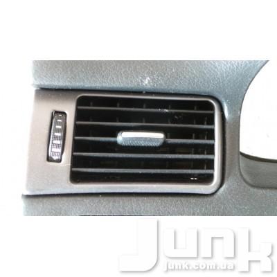 Дефлектор салона левый для Audi ое 4B1820901 oe 4B1820901 разборка бу