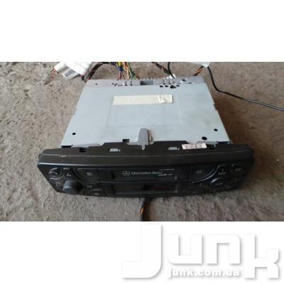Магнитола для W203 C-Klasse 2000-2007 Б/У oe A2038201686 разборка бу