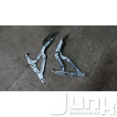 Петля крышки багажника левая для A6 (C5) 1997-2004 Б/У oe 4B5827301 разборка бу