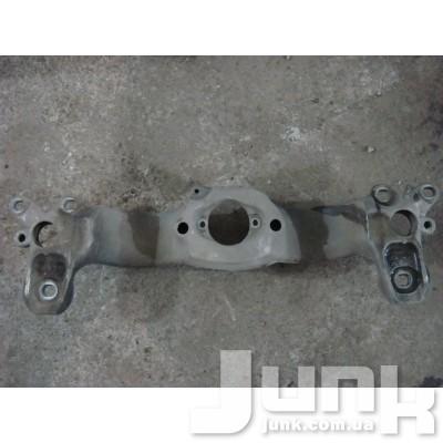 Траверса (кронштейн) АКПП для Audi A4 (B6) 2000-2004 oe 8E0399263 разборка бу