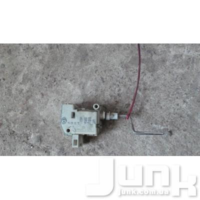 Активатор замка бензобака для A6 (C5) 1997-2004 Б/У oe 4B0862153 разборка бу